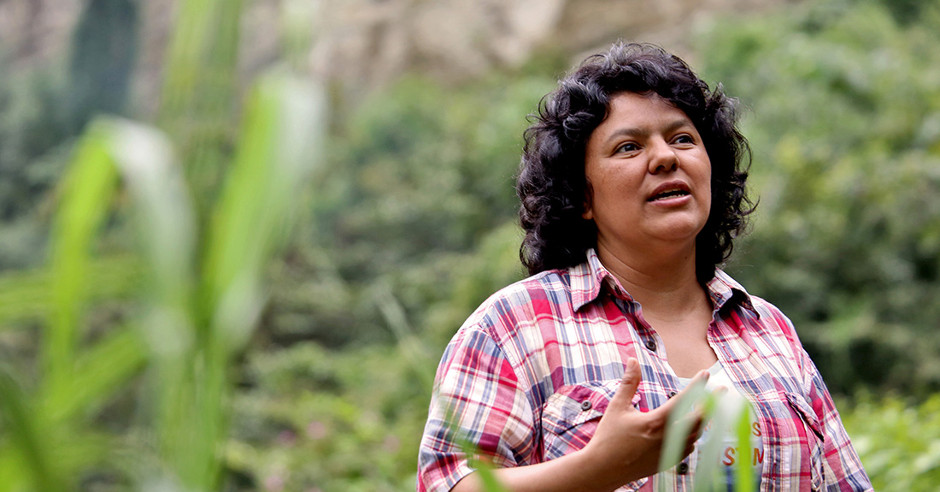 Retrato de Berta Cáceres