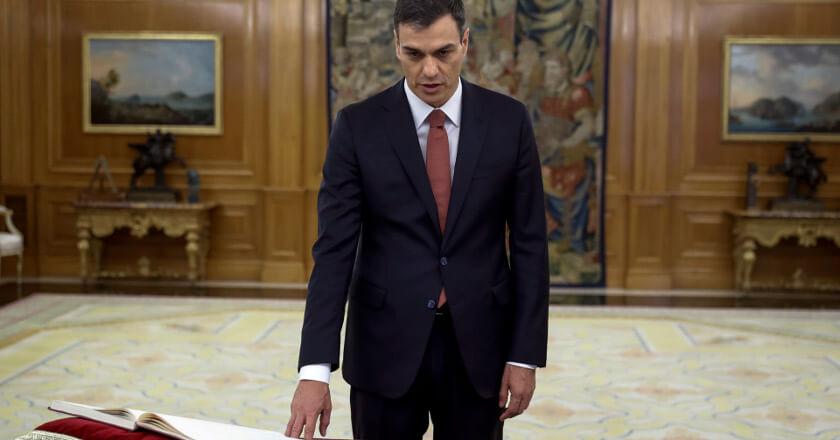 Pedro Sánchez jurando su cargo como Presidente