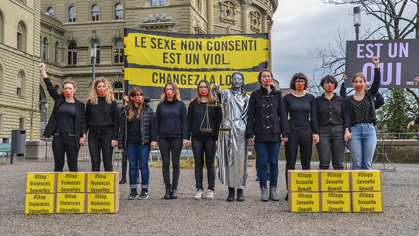 Acto de Amnistía Internacional a favor de una
