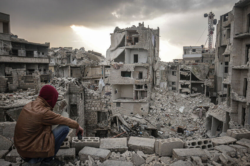 Edificios abandonados y destruidos en el distrito de Ariha en Idlib, Siria, en febrero de 2020. Este lugar se convirtió en una ciudad fantasma tras la huida de los civiles de los ataques del régimen de Bashar al-Assad y sus partidarios.