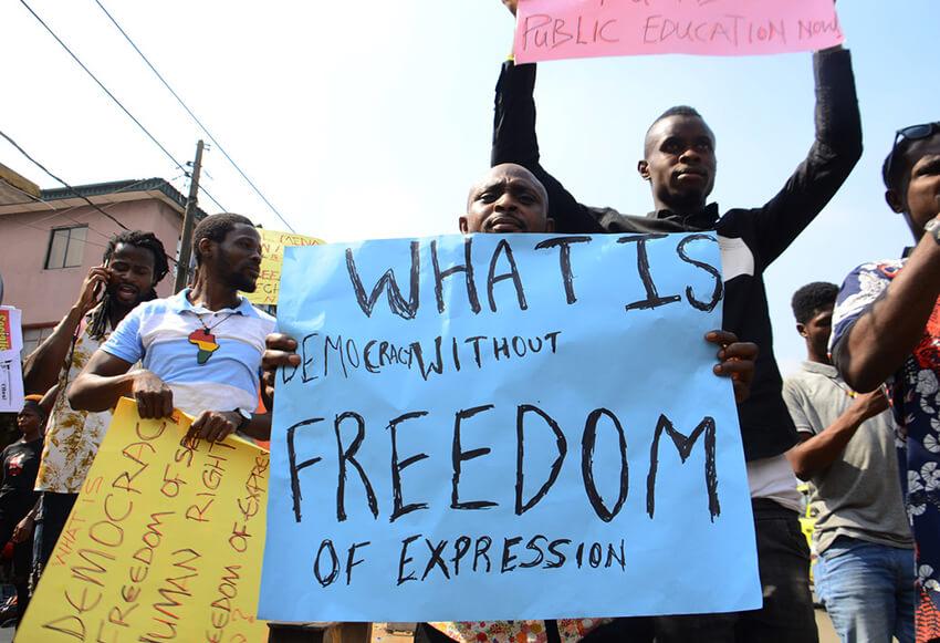 Protesta a favor de la libertad de expresión.