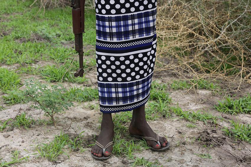 En la ciudad de Pibor, estado de Bome, en Sudán del Sur, aproximadamente 200 niños y niñas soldados fueron liberados a través de un programa de DDR.  Entre los más de 200 niños soldados liberados había tres niñas. © Nektarios Markogiannis